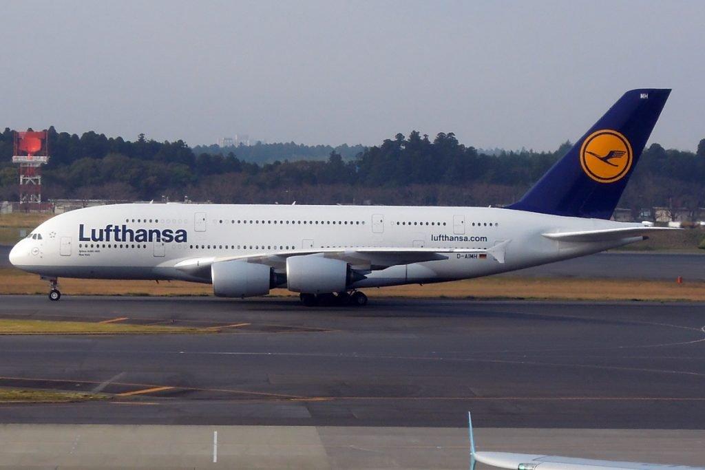 A380 der Lufthansa in Tokio